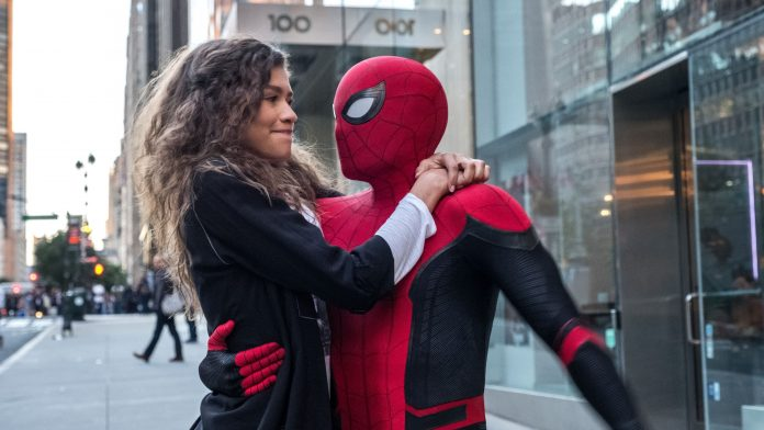 Spider-Man holding MJ in Spider-Man: Far From Home scene